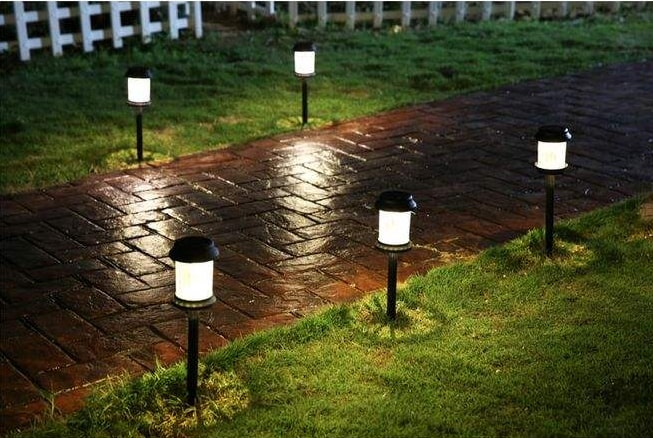 how long to charge solar lights