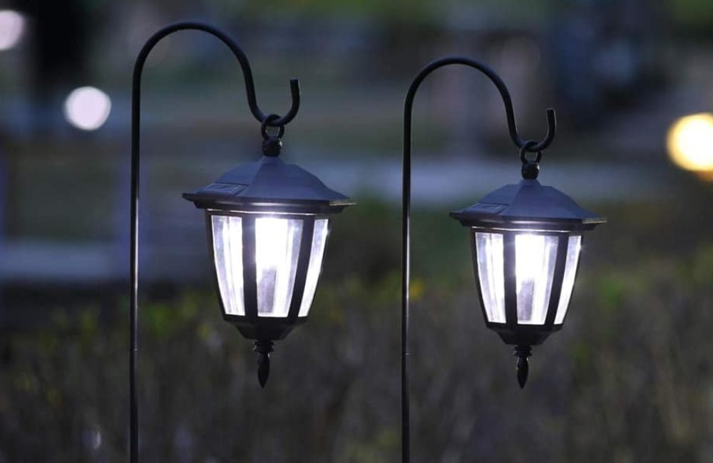 10 Best Hanging Solar Lights and Lanterns of 2021