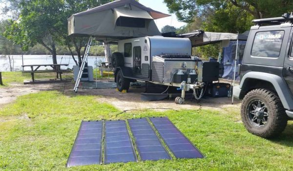 10 Best Solar Panels for Camping 2021 – Portable Solar Panel Reviews