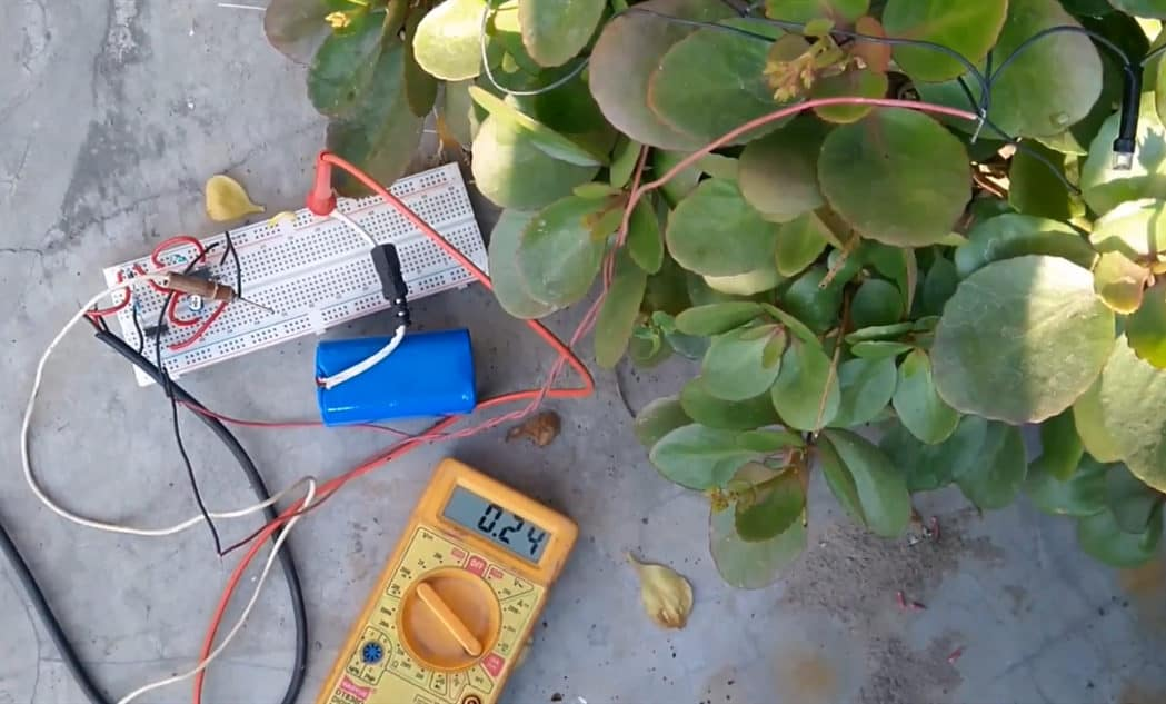 automatic solar light circuit