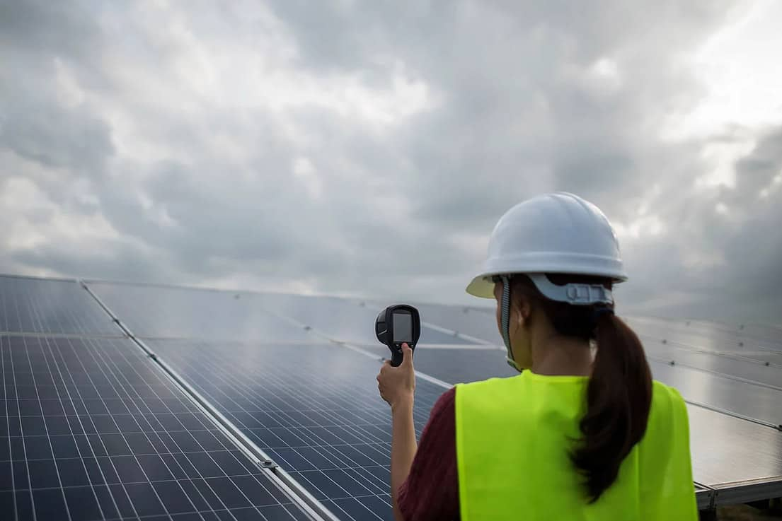 do solar panels work on a cloudy day