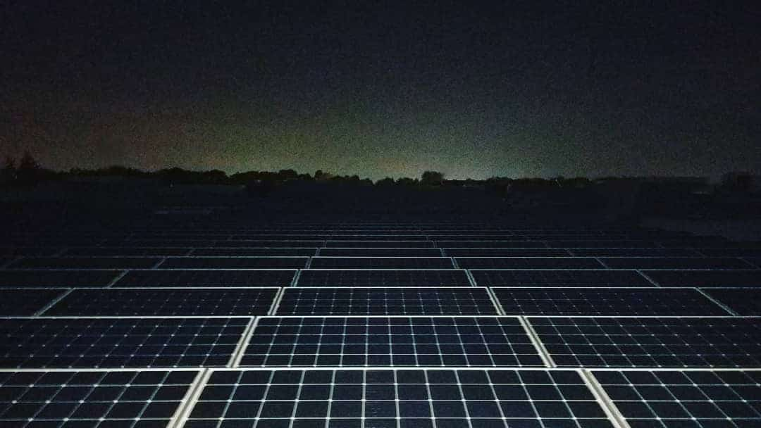 does solar power work at night