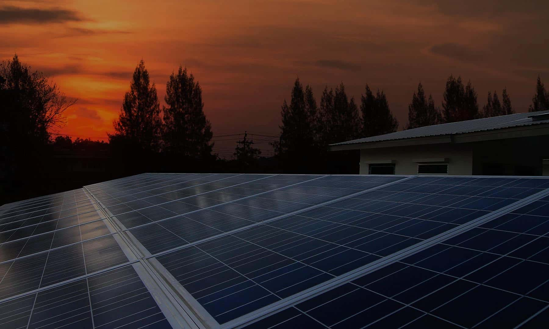 how do solar panels work at night