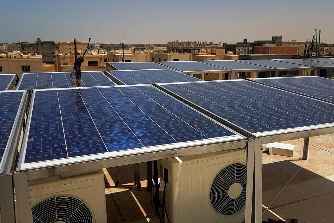 how many solar panel to run ac