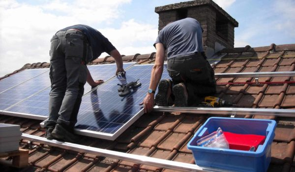 9 Steps to Mount Solar Panels On Roof