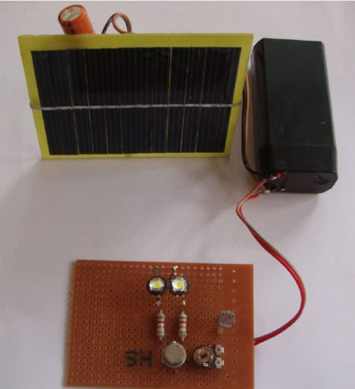 solar yard light circuit
