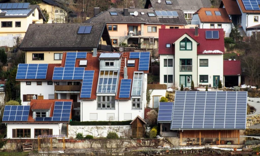 Which Way Should Solar Panels Face