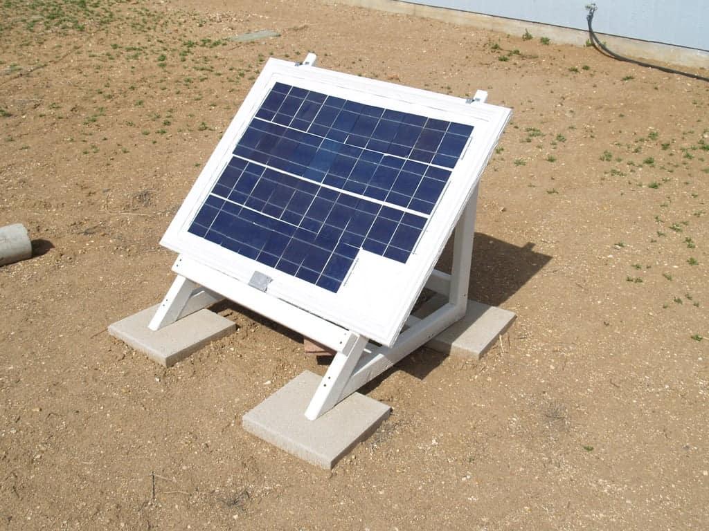 build a solar pannel