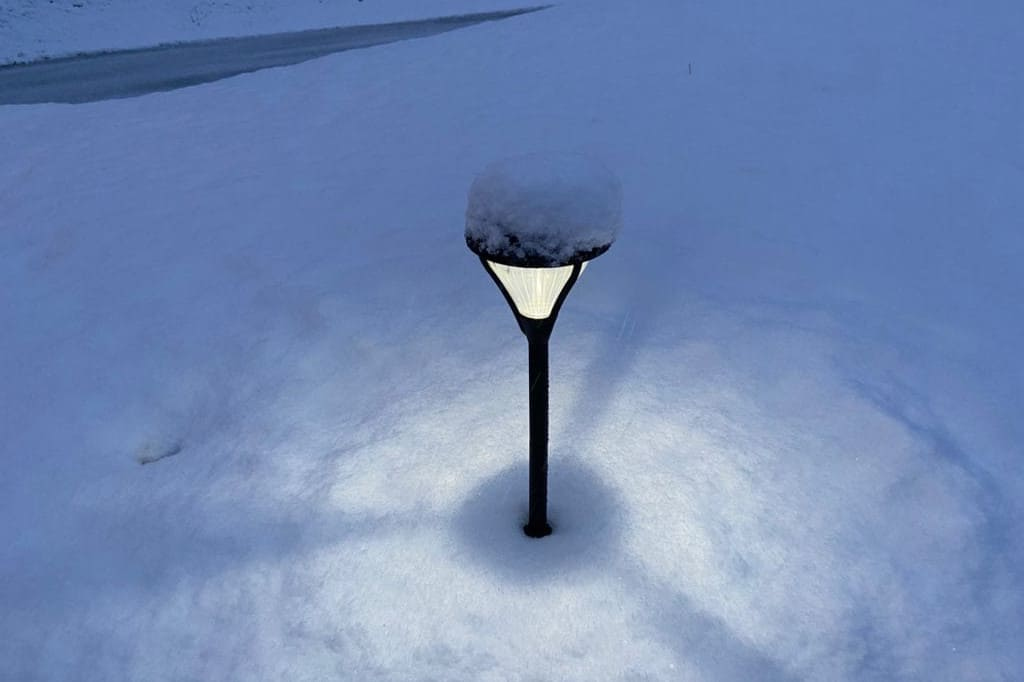 do solar lights work in winter