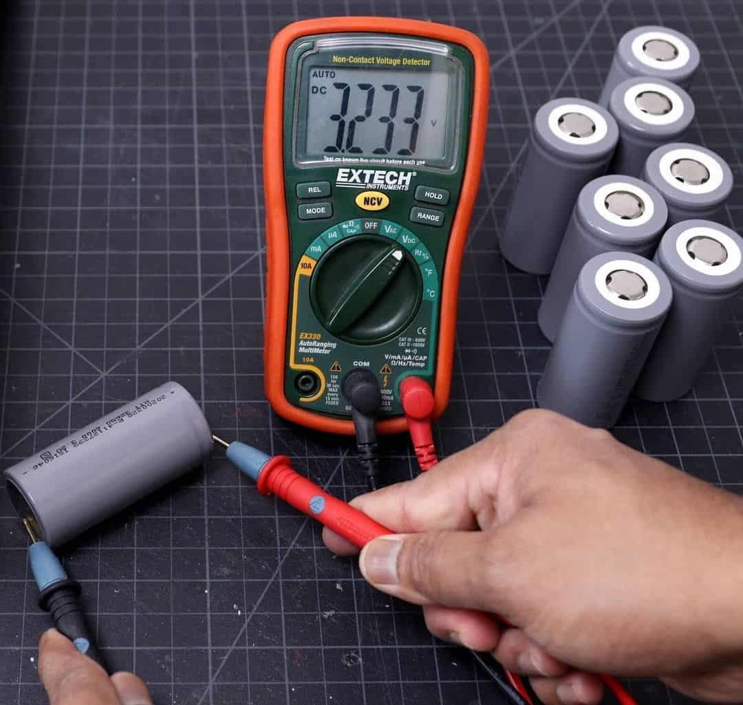 solar rechargeable batteries vs rechargeable batteries