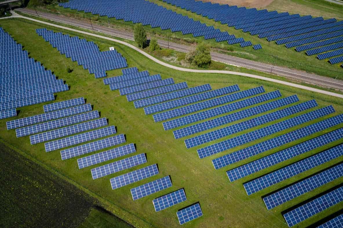 solar vs nuclear energy